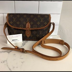 Listing not available - Louis Vuitton Handbags from Jenn s closet on ... 4586af17f6
